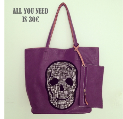 All you need is 30  bolso calavera morada