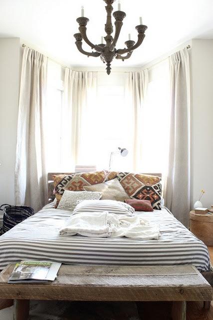 cama cojines con kilim